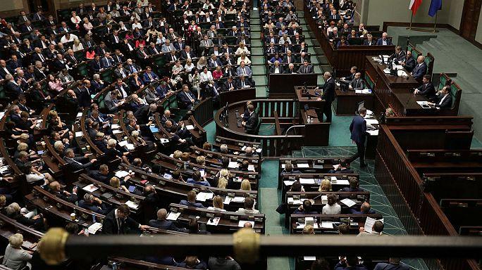 Polen: Parlament stimmt für umstrittene Justizreform