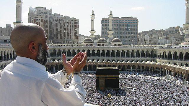 السعودية تفتح أبواب مكة للقطريين الراغبين في الحج جوا