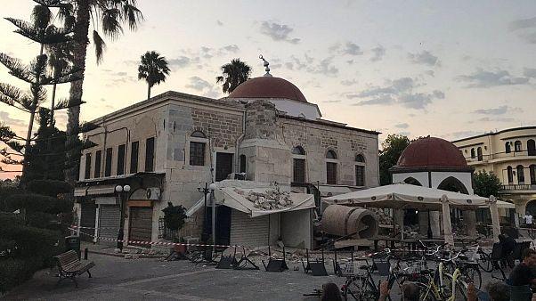 مقتل شخصين في زلزال ضرب المناطق السياحية بتركيا واليونان
