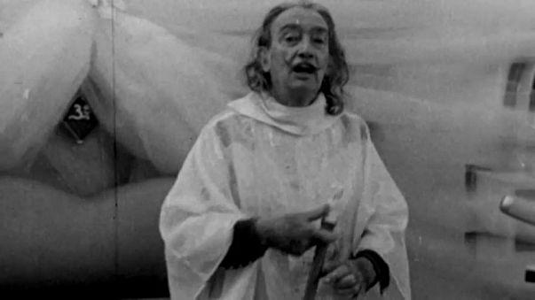 Exhumados los restos de Salvador Dalí