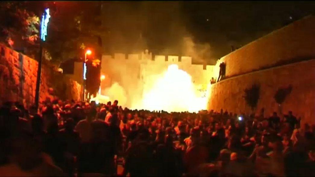 """اسرائيل تقرر الابقاء على البوابات الالكترونية.. وتزايد الدعوات إلى """"جمعة غضب"""""""