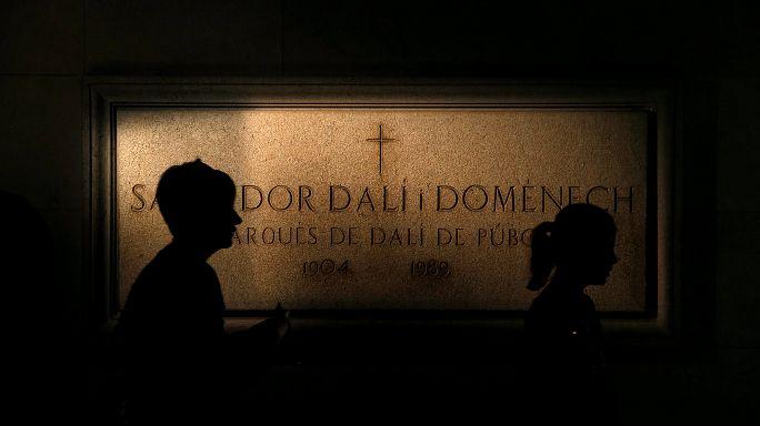 Salvador Dali'nin mezarı açıldı: 'Bıyıkları şeklini koruyor'