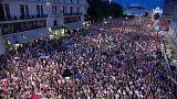 Polonia: Decenas de miles de personas protestan para defender la democracia