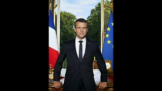 Emmanuel Macron hors cadre