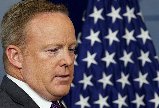 Sean Spicer silencia-se como secretário de imprensa