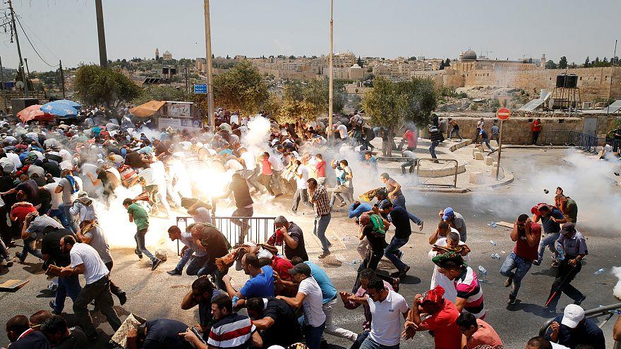Confrontos entre palestinianos e forças de segurança de Israel