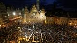 Parlamento polaco ignora avisos da UE e aprova lei controversa