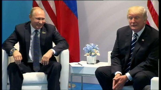 Trump/Putin : une rencontre aux toilettes ?