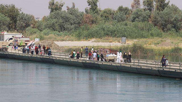 Mosul, il disperato pellegrinaggio degli abitanti