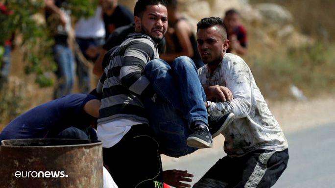 Un palestino herido en enfrentamientos con tropas israelíes