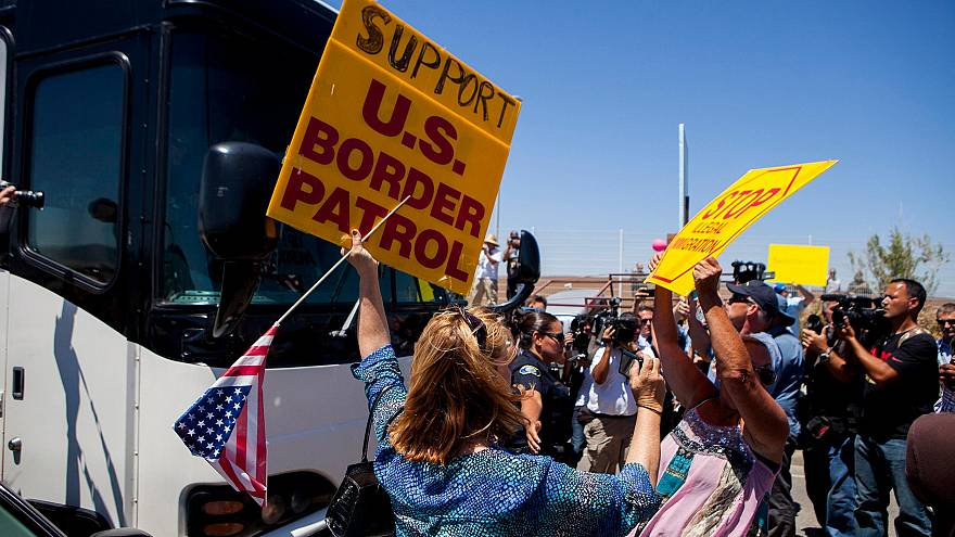 Image: Demonstrators picketing against the arrival of undocumented migrants