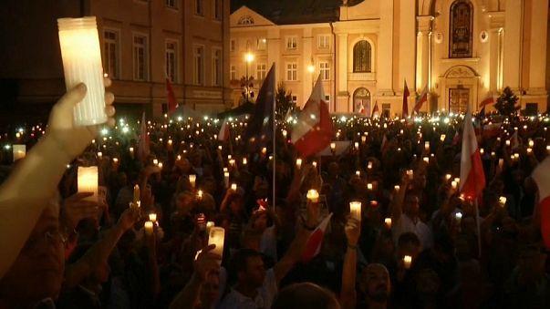 Vigilia en Varsovia contra la reforma judicial impulsada por el Ejecutivo nacionalista