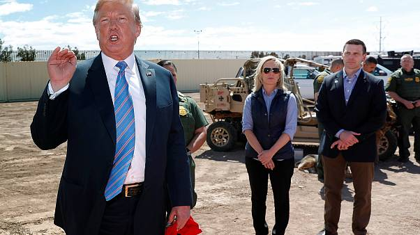 Image: Neilsen and McAleenan listen to Trump at border security tour in Cal