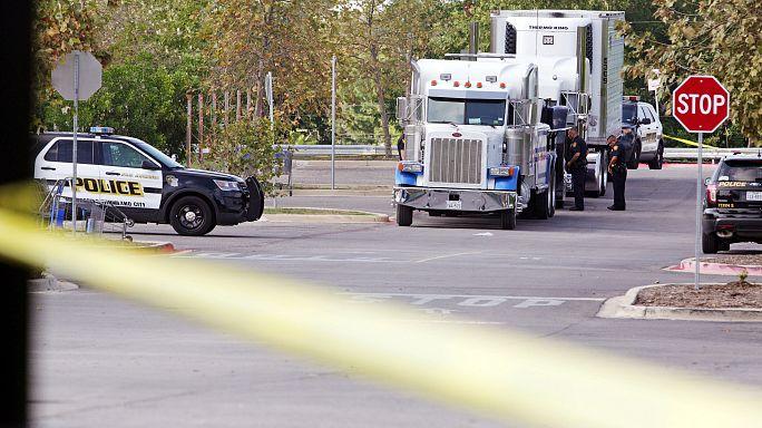 Nueve inmigrantes mueren en el interior de un camión