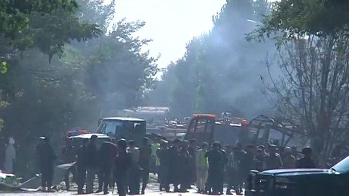 Taliban memur servisini vurdu: En az 35 ölü