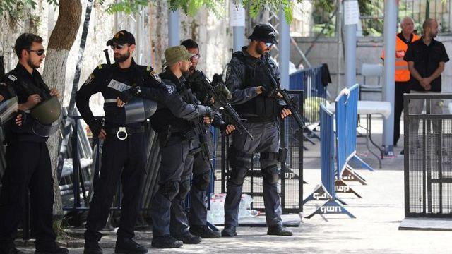 فلسطين: كل ما تريد معرفته عن أزمة البوابات الالكترونية وحلها