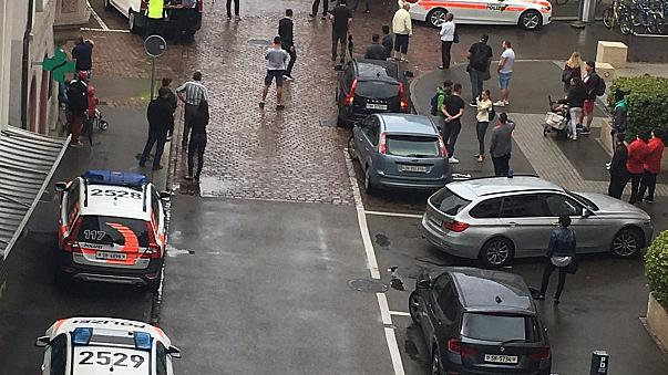 Láncfűrészes támadás Svájcban