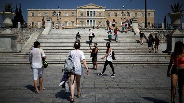 Greece returns to the bond markets