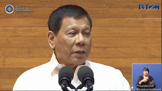 Folytatja drogellenes háborúját Duterte