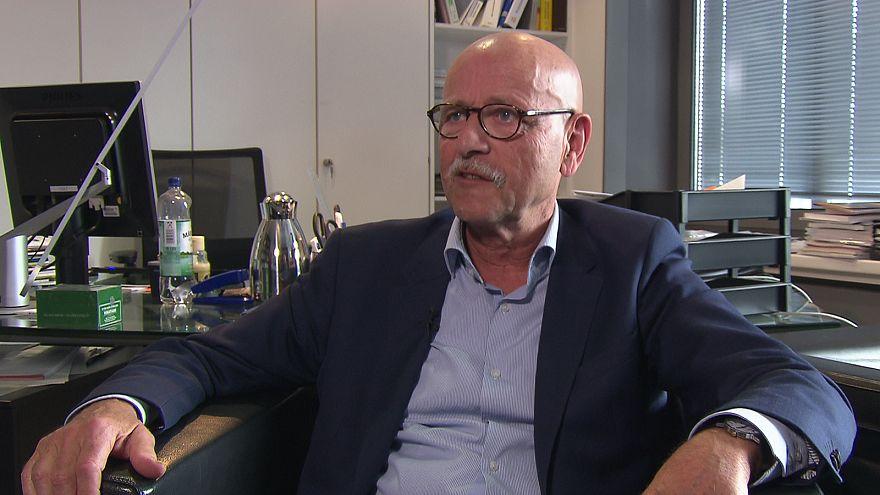 """Rolf Rosenbrock: """"Viele Menschen können nicht mehr von ihrer Arbeit leben"""""""