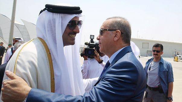 أردوغان في الدوحة: نحاول تنظيم لقاء بين جميع أطراف الأزمة
