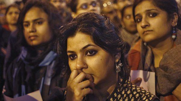 Női rendőri egység a nőket érő erőszak ellen Indiában