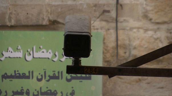 israël retire ses portiques, le boycott persiste