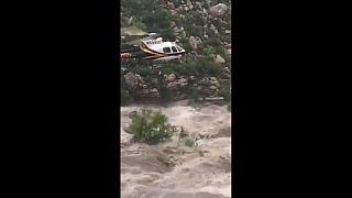 Randonneurs sauvés des flots dans l'Arizona