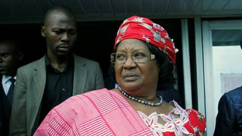 Malawi issues warrant of arrest for ex-president Banda