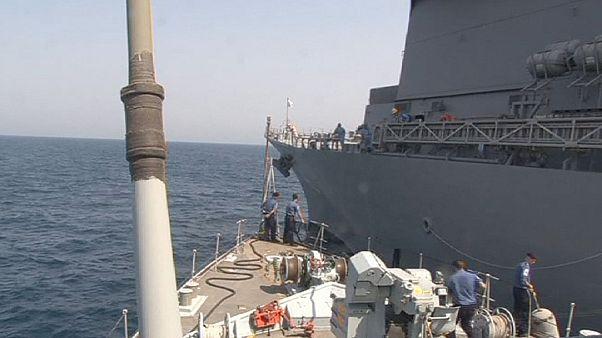 نجات سرنشینان شناور نظامی امارات در خلیج فارس