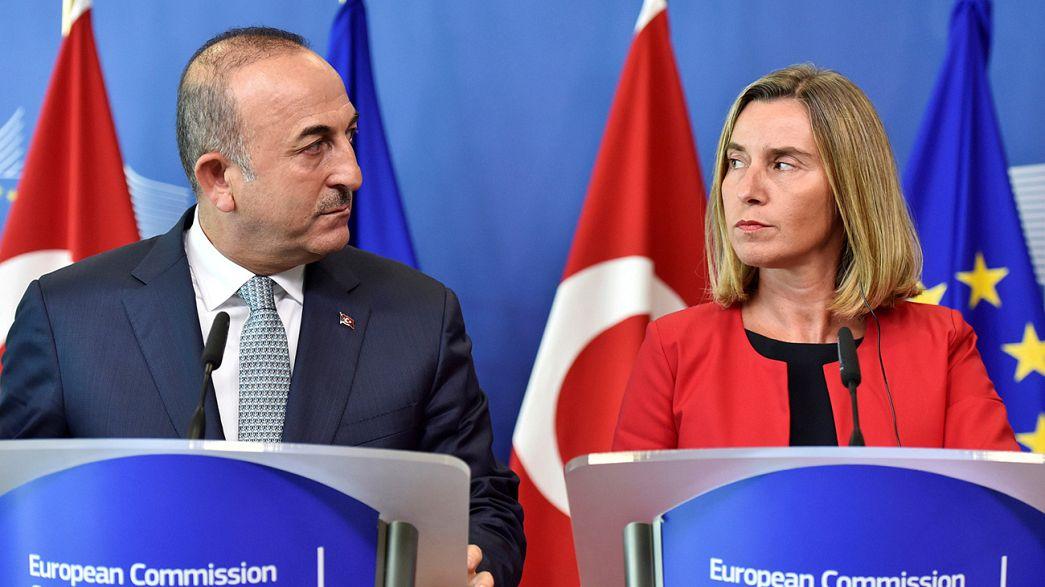 Brüsszelben próbálták újraéleszteni az EU-török párbeszédet