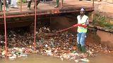 Kamerun: Pflastersteine aus Plastikmüll