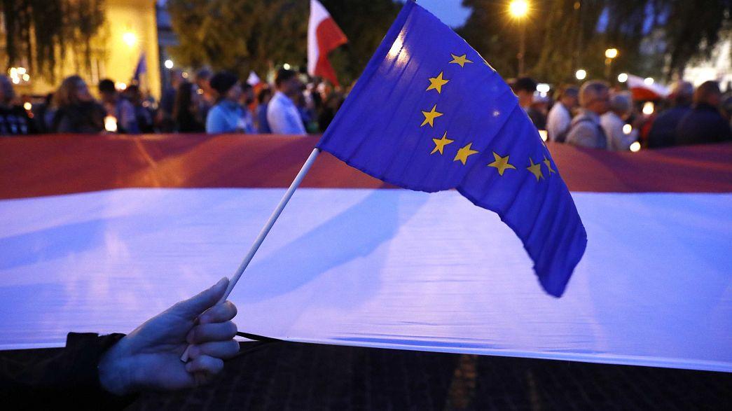 """Les manifestants polonais veulent un """"troisième véto"""""""