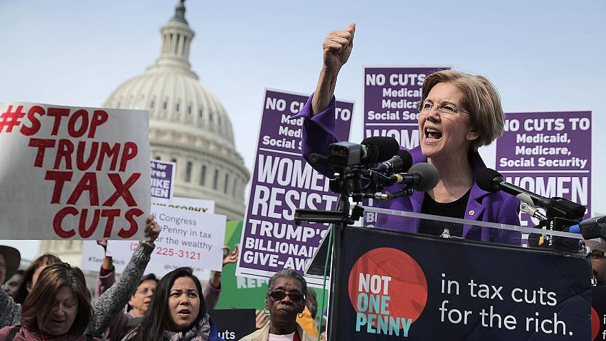 Image: Sen. Elizabeth Warren (D-MA) addresses a rally against the Republica