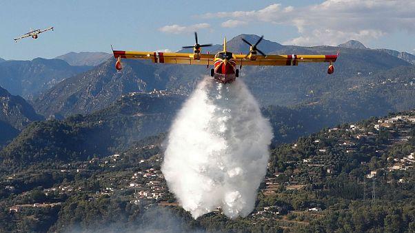 L'incendie s'étend à Bormes-les-Mimosas, 10 000 évacuations