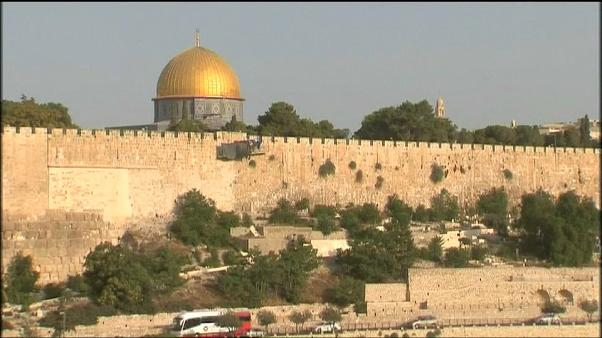 Palestinians reject new al-Aqsa security measures