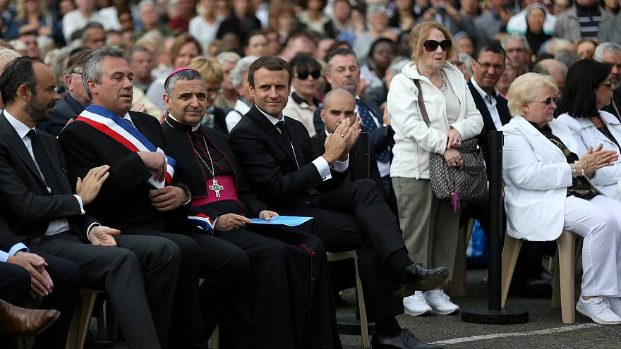 Frankreich erinnert an islamistischen Anschlag in Kirche
