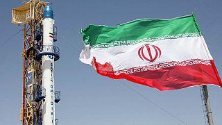 مقامات آمریکایی: ایران آماده پرتاب یک ماهواره به فضا میشود