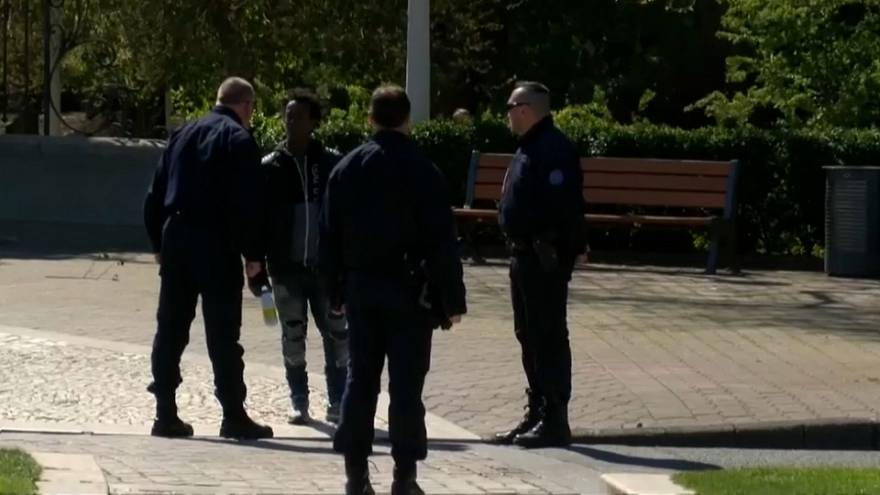"""Francia, HRW denuncia: """"Gas al peperoncino contro migranti a Calais"""""""