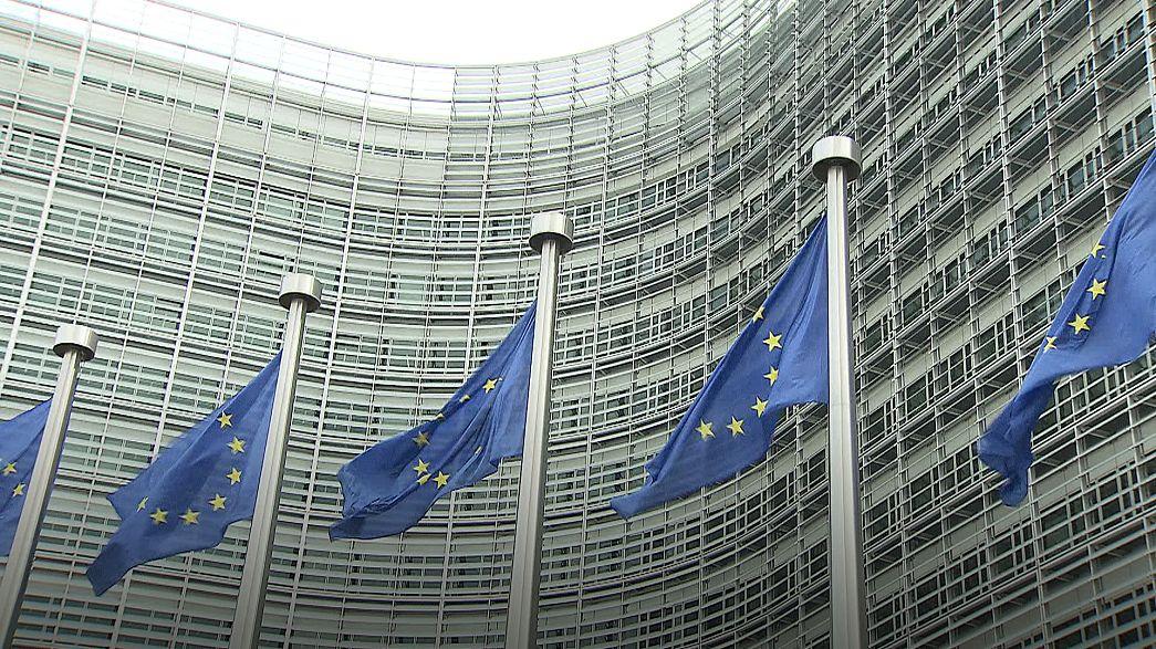 المفوضية الأوروبية تعرب عن غضبها إزاء فرض عقوبات أميركية على روسيا