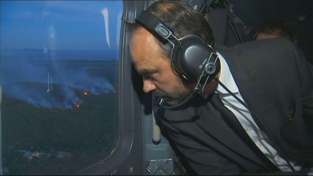 Премьер Франции прибыл на место пожаров
