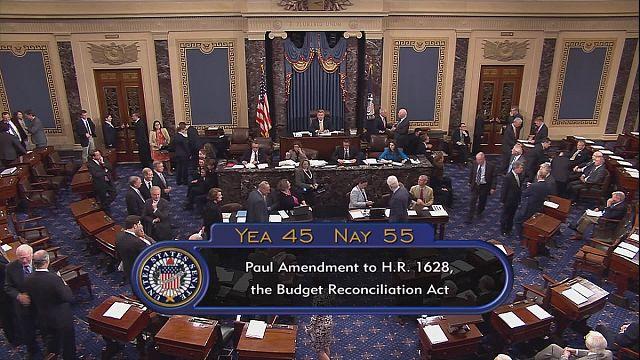 ABD Senatosu 'Obamacare'i iptal etmedi