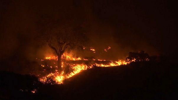 Portogallo: notte di fiamme