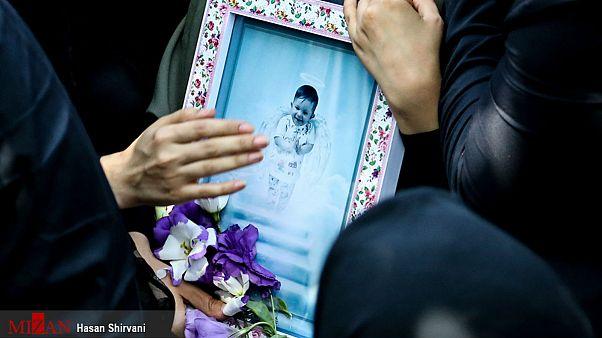 مراسم تشییع «بنیتا» قربانی ۸ ماهه سرقت خودرو برگزار شد