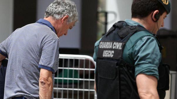 Yolsuzluk iddiasıyla tutuklanan Villar UEFA ve FIFA'dan istifa etti