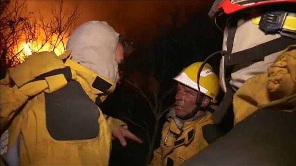 Face aux incendies, plus de 10 000 personnes évacuées