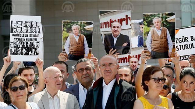 Cumhuriyet davasında Ahmet Şık'tan 'kontrollü kaos' çıkışı