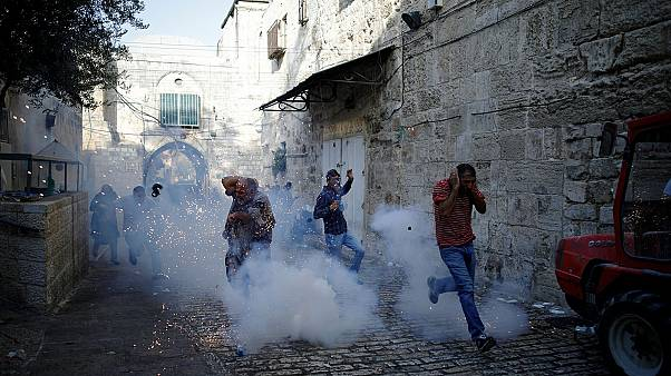Dozens wounded as Palestinians clash with Israeli security forces in Jerusalem