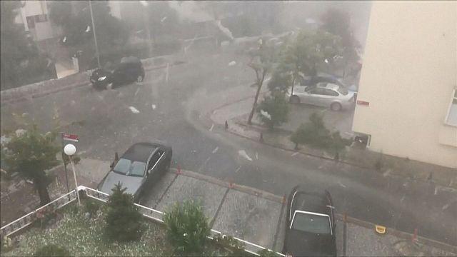 10 Tweets zum dramatischen Unwetter in Istanbul