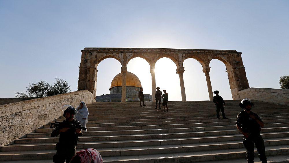 Izrael: 50 év alatti férfiak nem vehetnek részt a pénteki imán